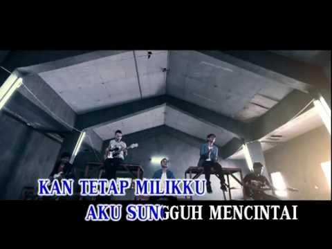 Motif Band - Tuhan Jagakan Dia (Official Music Video Karaoke)