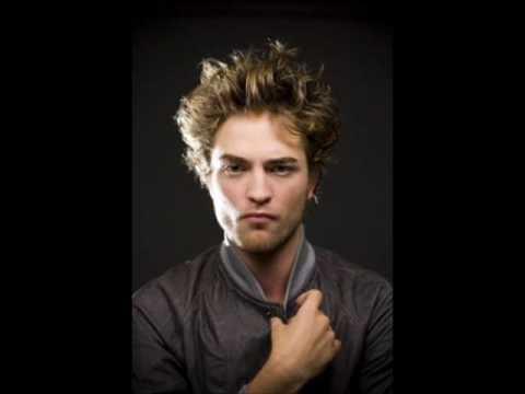 Robert Pattinson- A sexy vampire