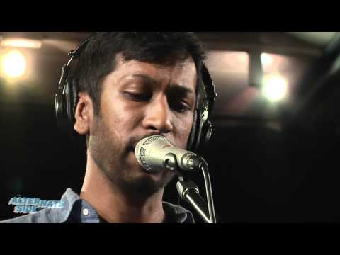"""The One AM Radio - """"Sunlight"""" (Live at WFUV)"""