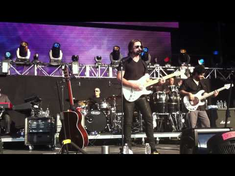 Juanes live at Univision's H20 Festival in Dallas (June 9, 2012)
