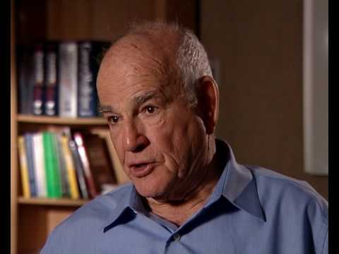 Baruch Blumberg - Teaching undergraduates at Stanford (48/80)