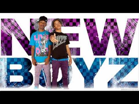 NEW BOYZ feat CHRIS BROWN - call me dougie