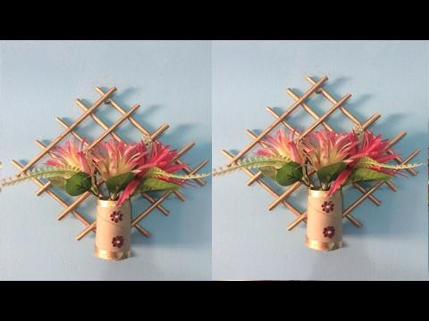 Newspaper wall hanging.Newspaper flower vase.