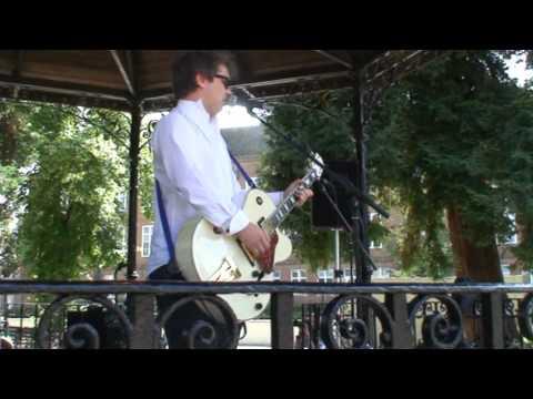 'Colvex' at Watford Bandstand 30.07.11