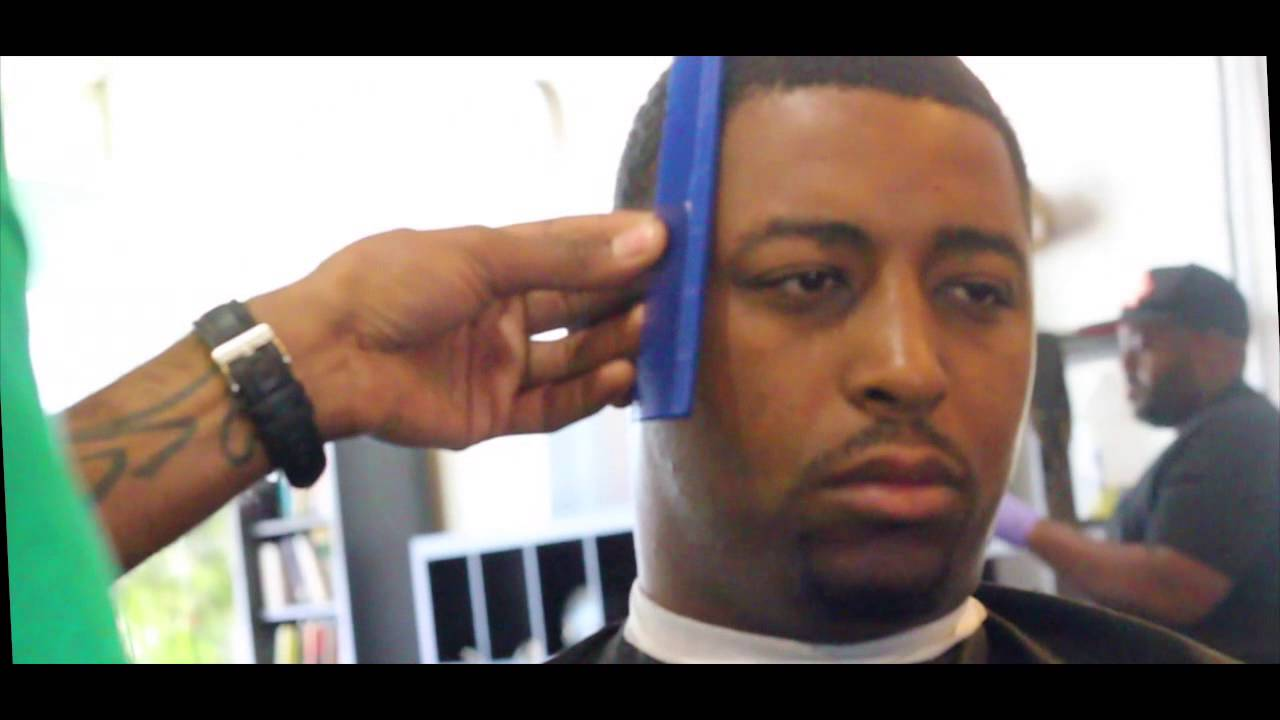 J Razor The Barber Visits Cold Cutz Barber Shop Haircuts Youtube