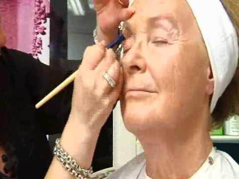 Makeupskolen Del 1, makeup på voksen dame over 60 år.