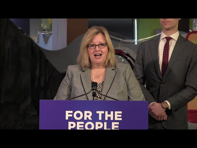 Ontario Education Minister Lisa Thompson announced in Toronto on Friday that the provincial government will increase some elementary and high school class sizes and introduce a new sex-ed curriculum as part of education sector reform.