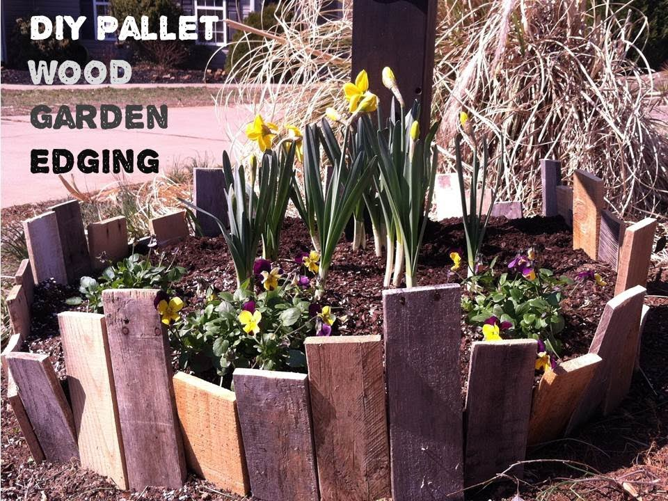 How To Make A Pallet Wood Garden Fence Youtube