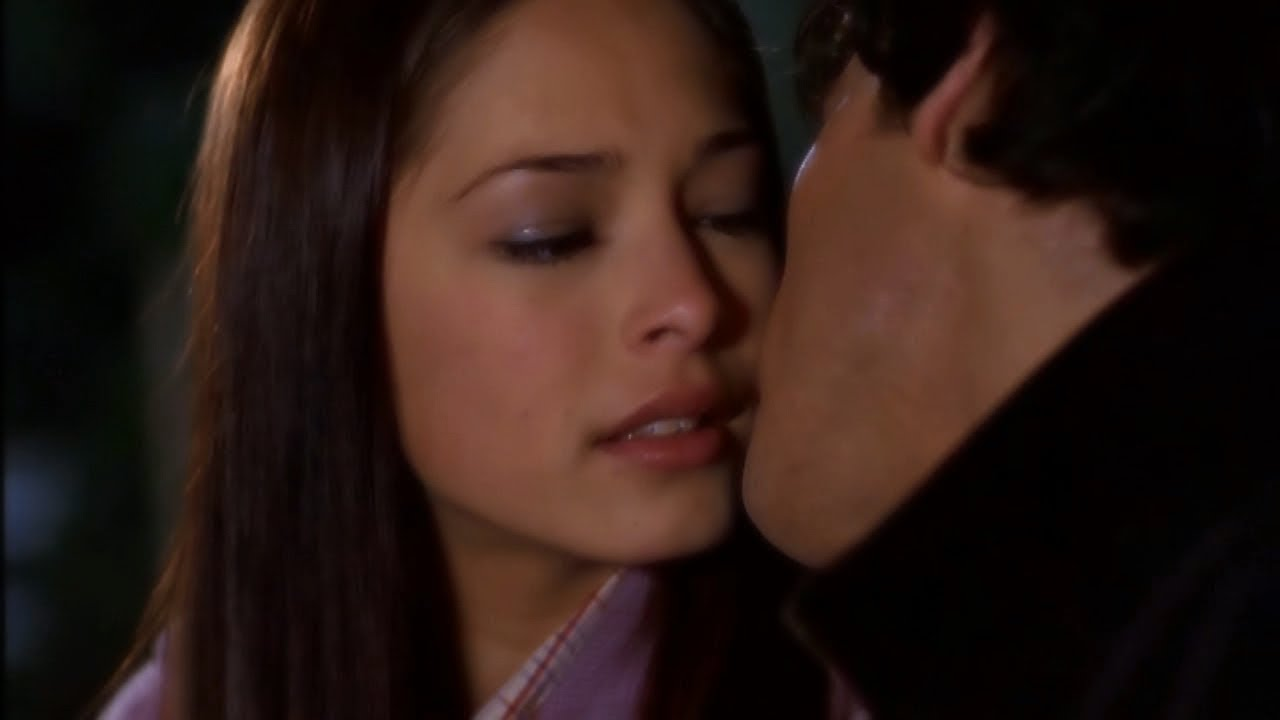 Download Clark Takes His Chance to Be With Lana -- (Smallville - S1; E10)