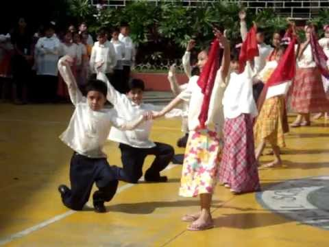 kuratsa philippines folk dance What is the history of kuratsa the kuratsa dance is a traditional folk dance in the philippinesonly one couple dances at a time and it is considered a proud.