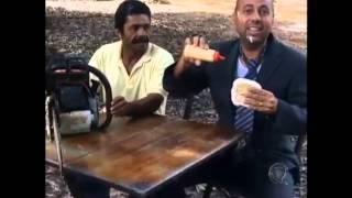 Achamos no Brasil: comerciante faz vídeos hilários para promover a lanchonete thumbnail