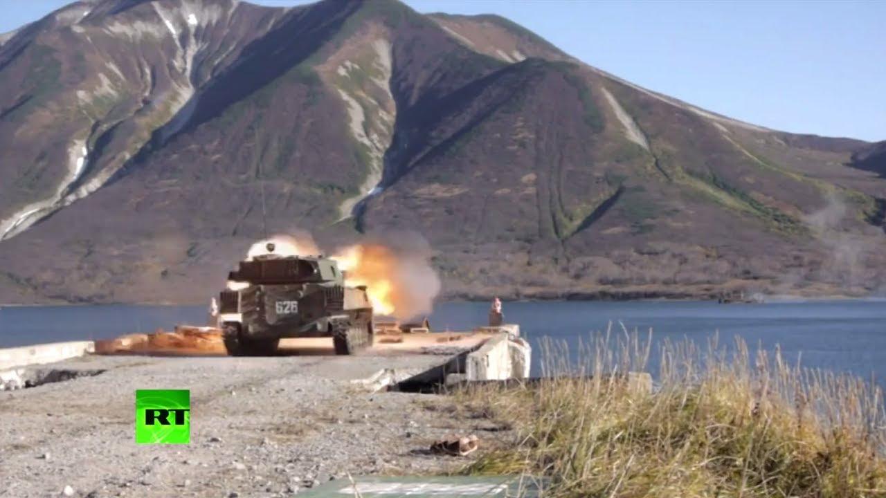 Учения морских пехотинцев на Камчатке: самые эффектные моменты