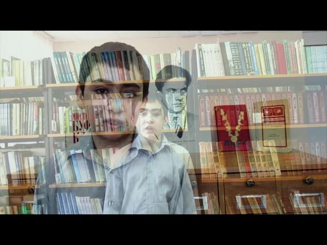 Изображение предпросмотра прочтения – ИльдарЕсимбетов читает отрывок изпроизведения «Стихи о советском паспорте» В.В.Маяковского