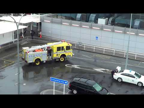 Auckland Airport Fire Rescue Tender R1 Responding To Domestic Terminal