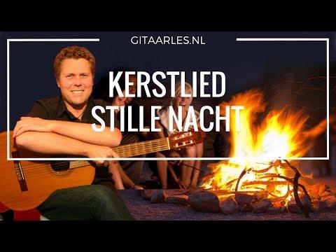 Stille Nacht akkoorden mee leren spelen op gitaar gitaarcursus kerstliedje