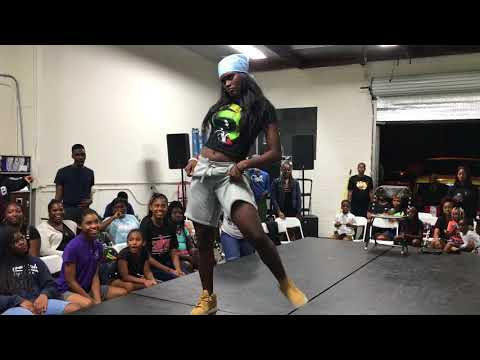 These 2 Girl Dancers is SOLID! (BATTLE)| OfficialTSquadTV |