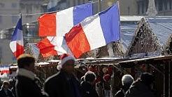 Frankreich zeigt Flagge