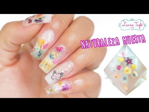 Real flowers inside acrylic nails / CÓMO ENCAPSULAR NATURALEZA MUERTA EN UÑAS