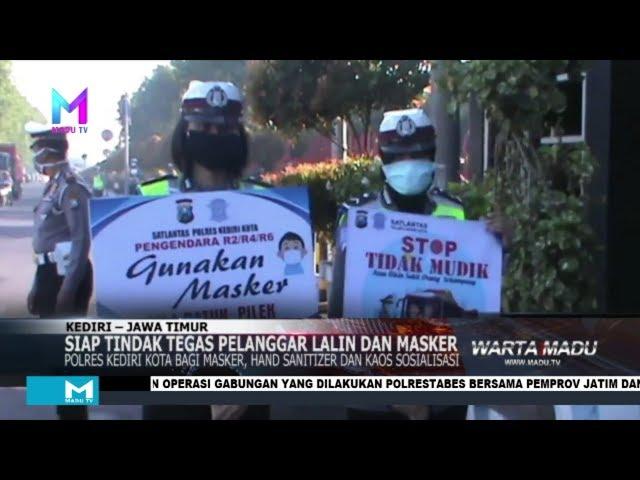 Polres Kediri Kota bagi masker, handsanitizer dan kaos sosialisasi