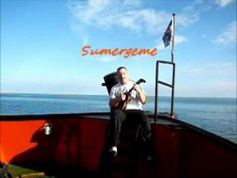 Me singing Sumergeme