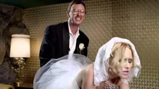Reklama na lentilky Skittles ... (novomanželská soulož)
