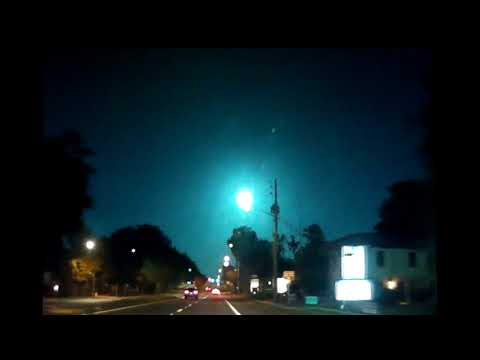 Kevin Campbell - Falling Meteor Lights Up Sky In Northern And Central Florida