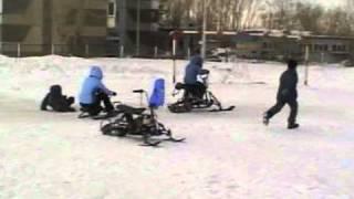 Самодельные снегоходы(Покатушки на самодельном детском снегоходе., 2011-02-14T17:30:14.000Z)
