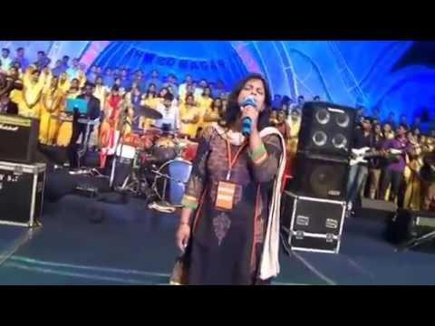 Aao milke stuti karenge, a Hindi praise song by Persis john