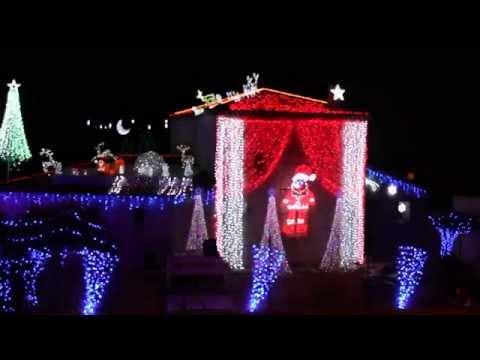 Maison illuminée Noel 2014 a la Fare les oliviers Light-O-rama La reine des neiges
