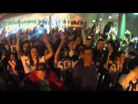 Llegada Deportivo al aeropuerto de Alvedro. Permanencia 2015!!!