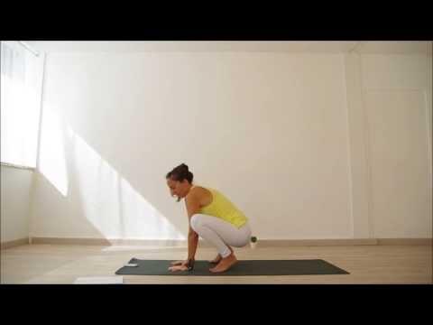 comment faire la position du corbeau au yoga tutobrain plateforme de tutoriel en ligne. Black Bedroom Furniture Sets. Home Design Ideas