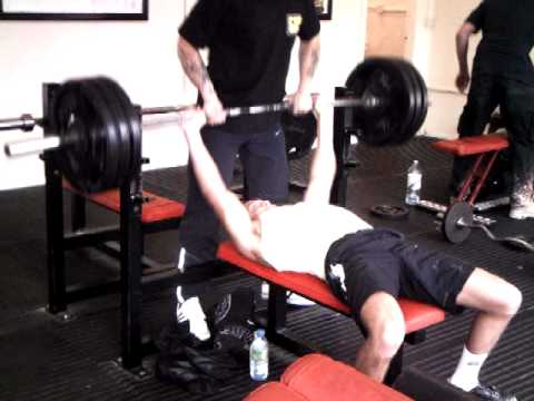George William Lamb - 140kg bench press, 18 years old, @ 67kg bodyweight, RAW and NATURAL !!!