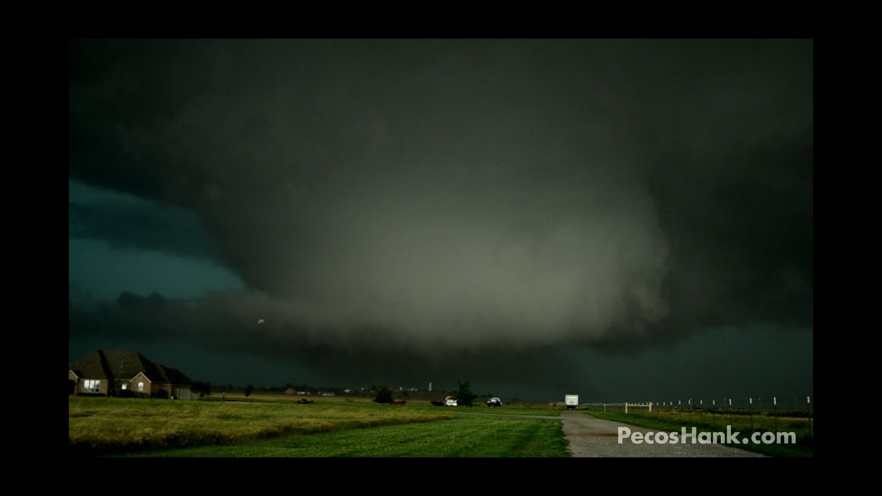 What is a tornado and what determines its appearance