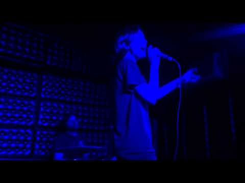Polica - Tiff Live @ The Casbah