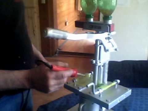 spawn sac tying machine