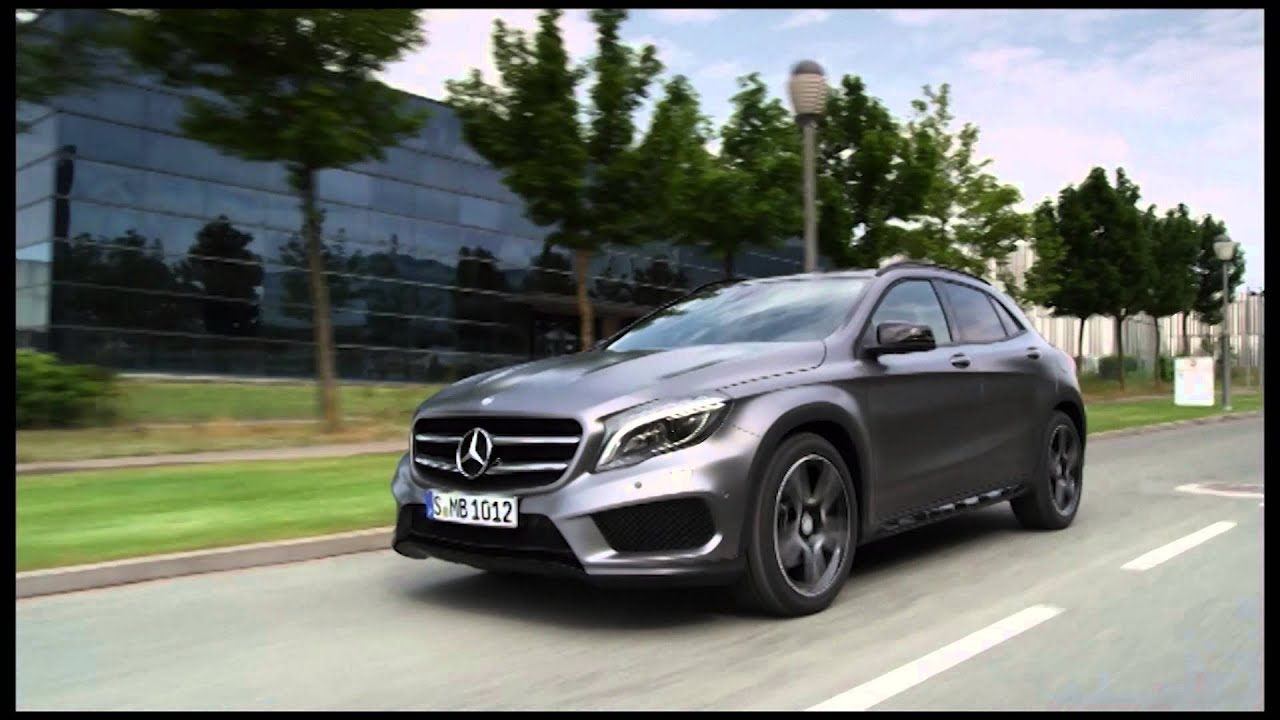 Mercedes benz gla 250 4matic driving review automototv for Mercedes benz gla 250 4matic