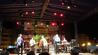 3 Sud Est - De ziua ta ( Live @Zilele Cetatii Fagarasului - 24.08.2014)
