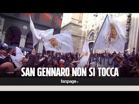 'San Gennaro non si tocca', centinaia di Napoletani in piazza contro il decreto di Alfano