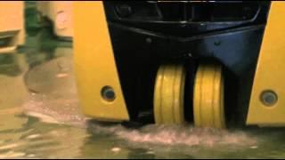Электрические погрузчики CAT EP13-20cpnt ( Различные операции)(Электрический погрузчик CAT Экологичные и надежные электрические вилочные погрузчики CAT lift truks - отличное..., 2014-04-09T12:42:19.000Z)