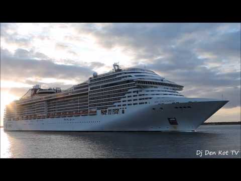 MSC Splendida Leaving Dublin Port
