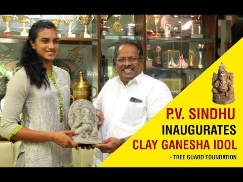 clay-ganesh-idol-inaugurated-by-p.v.-sindhu