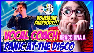 BOHEMIAN RHAPSODY/QUEEN - Panic At The Disco (AMAs 2018) | VOCAL COACH REACCIONA | Gret Rocha