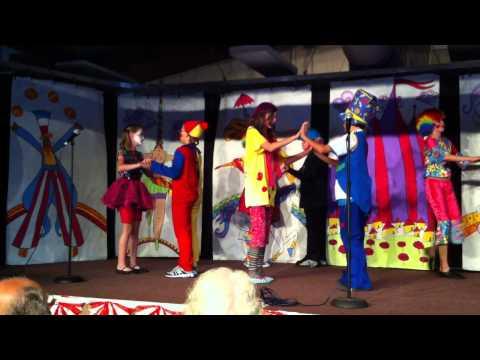 Clowns Dances