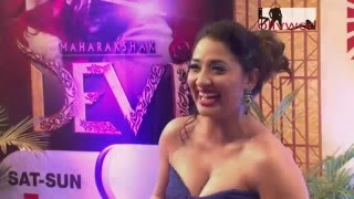 vuclip HOT Shruti Ulfat Exposes Deep Cleavage At An Event | Sexy Video