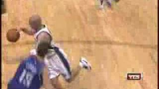 Repeat youtube video Jason Kidd with the awesome ball-fake and pass to Richard Jefferson!
