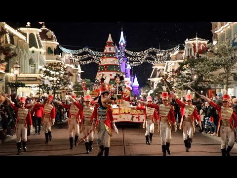 🎄Disney's Christmas Parade by NIGHT at Disneyland Paris