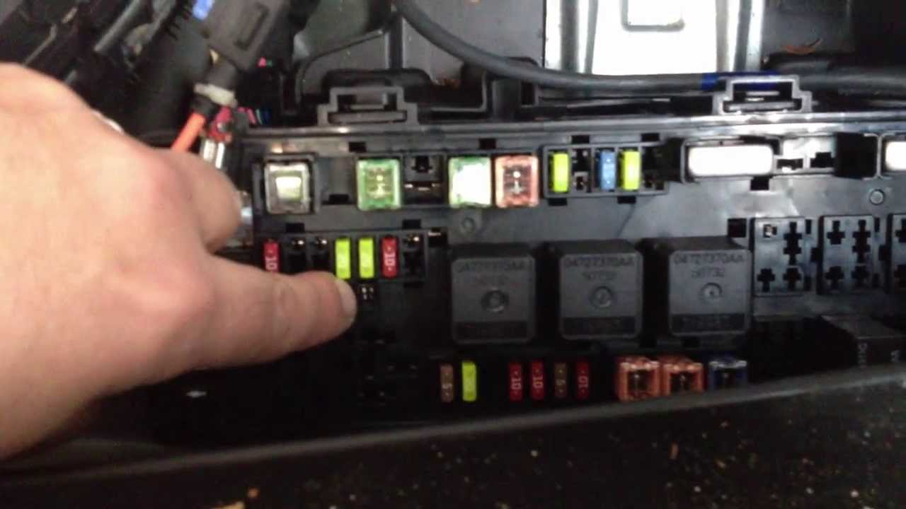 07 dodge charger fuse diagram micro usb port wiring adding remote lead to turn on amp chrysler 300 lx 2010 - youtube