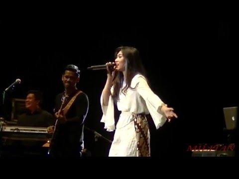 Kau Adalah - Isyana Sarasvati Feat Rayi (JAVA JAZZ 2016)