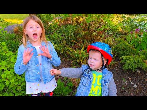 Малыш и веселые  Игры в Прятки Ryan Play Hide And Seek