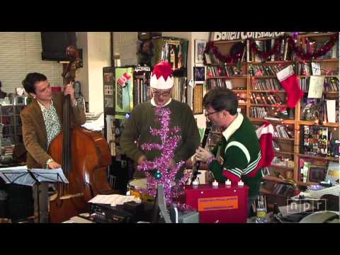 Matt Wilson's Christmas Tree-O: NPR Music Tiny Desk Concert - YouTube